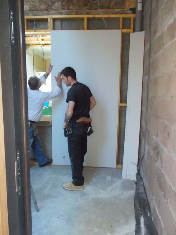 nn) the plasterboard goes up 2